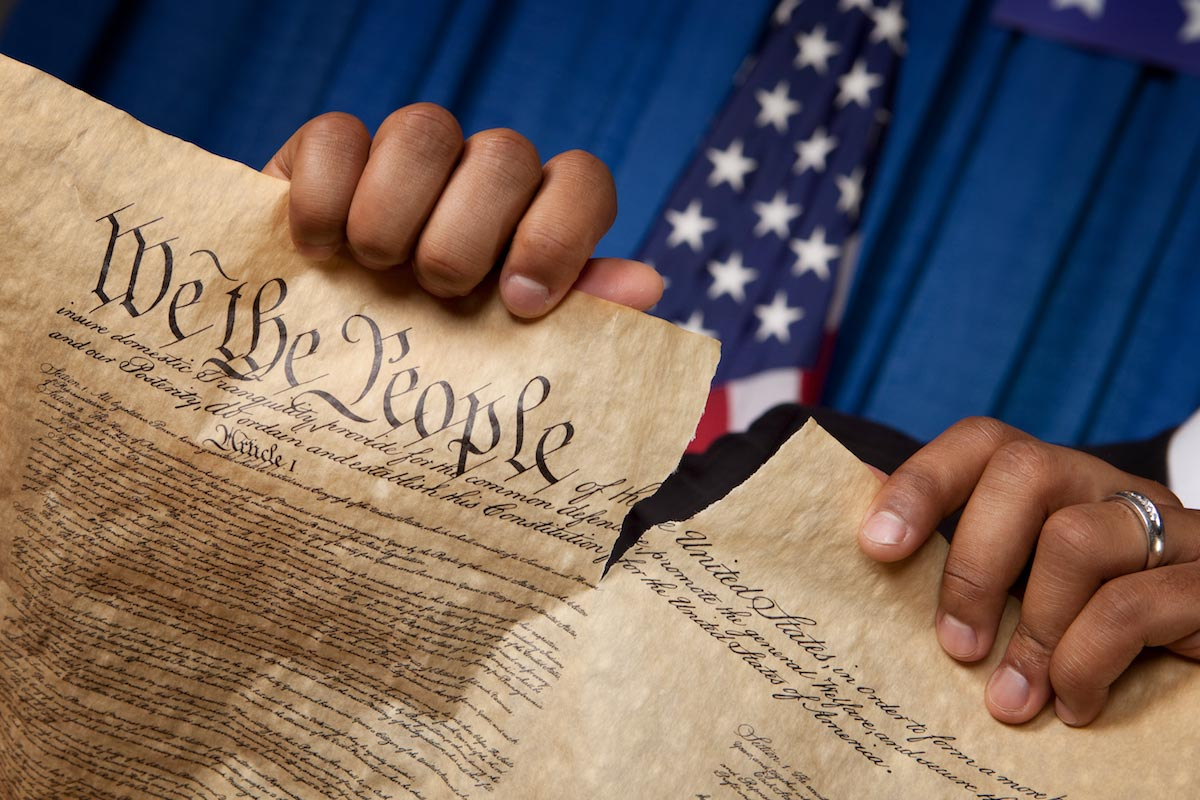 united states constitution and the united The united states of  the settlers fought for their independence from britain in the late 18th century and formed a union of states based on a new constitution.